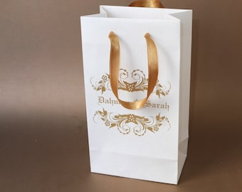 100 Smal Wedding Welcome Bags with gold satin ribbon handles and custom names - Paper gift bags for guests - Wedding Favors