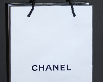 Lot of 6 Authentic CHANEL White Signature Shopping Bags Perfect for Crafting, party favors, etc. NEW