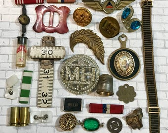 Vintage Assemblage Lot- COSTUME JEWELRY Findings- Rhinestone- Pendants Buttons- Found Object Lot- C10