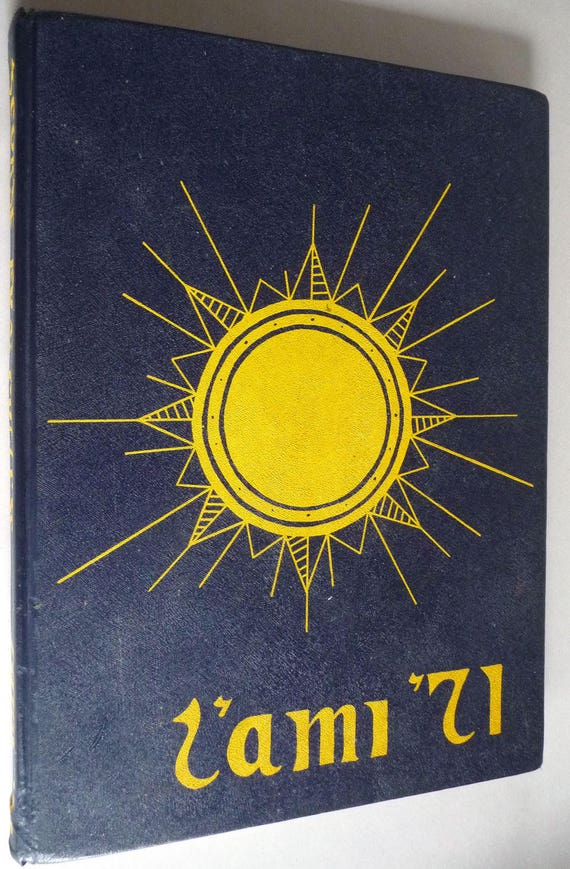 George Fox College Yearbook (Annual) 1971 - L'Ami - Newberg, Oregon OR - Yamhill County University