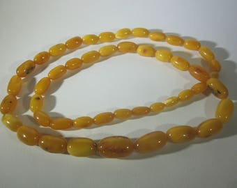 Vintage Butterscotch Egg Yolk Baltic Amber Necklace