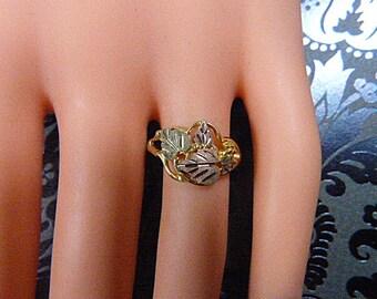 Estate Jewelry - Vintage Stamper BLACK HILLS GOLD Tri-Color Gold  Ring - Size 6.5 - Stamper Gold Ring - Black Hills Gold Ring