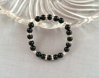 Black pearl stretch bracelet, black and silver elastic bracelet, rhinestone and pearl bracelet. Silver and black beads, black bracelet