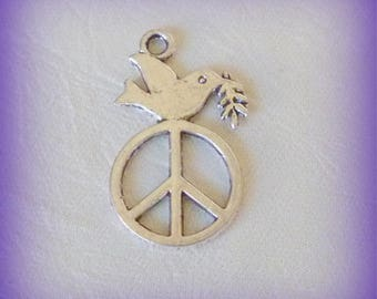 2 charms - Peace and Love & Dove / silvered Metal