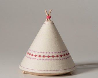 TIPI / Child Table lamp pink
