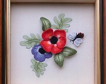 ST 305 Bee and Anemone Raised Stumpwork Embroidery Kit