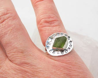 Funky Stars Space Jewelry Rough Peridot Crystal Ring Size 6 Sterling Silver Ring Handmade Jewelry