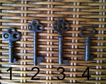 Fancy Antique Skeleton Key Necklace