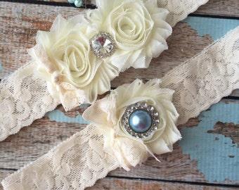 Ivory wedding garter set  / garter/  lace garter / toss garter included /  wedding garter / vintage inspired lace garter/ something blue