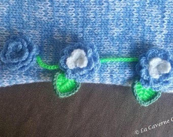 Cornflower: Flowered Snood wool
