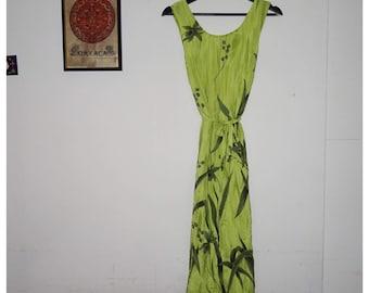 Vintage green jungle print dress || Medium /Large