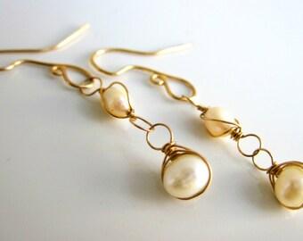 Pearl Earrings in 14k Gold | June Birthstone