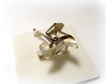 Silver Rotating wind ring