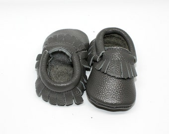 Grey Baby Moccasins // Grey Toddler Moccasins // Baby Boy Moccasin // Baby Mocassin // Neutral Baby Shoe