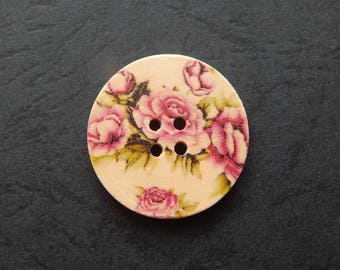 1 button wood 30 mm decor pink flower on a beige background