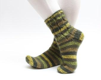 Green cable knit socks Warm winter socks Slipper socks Adults socks, Hand knit socks for men Socks with green silk/mohair Green mens socks