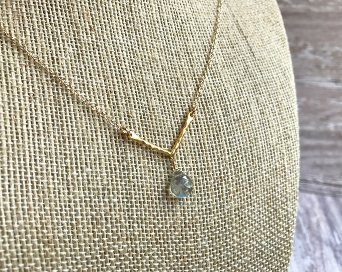 Geometric Necklace with Labradorite Gemstone