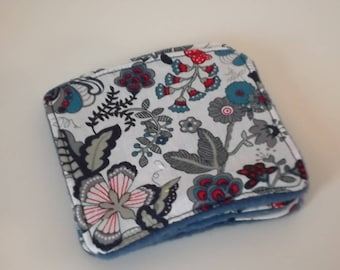Washable fleece and flowers printed cotton cloth blue