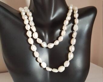 Vintage strand of freshwater pearls