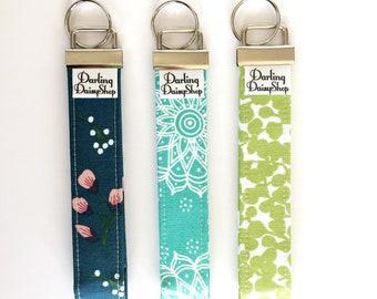 Spring line keychain wristlet. Keyfob wristlet. Keyfob holder.  Fabric keychain.  Fabric Keyfob.  Fabric wristlet. Gift under 10. Key holder