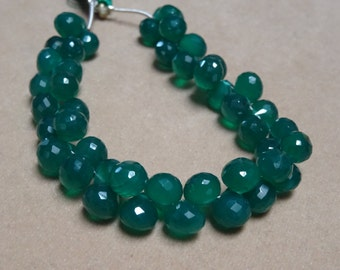30 PCS 6-8 mm Green Onyx Briolette Faceted Onion strand -AAA Quality