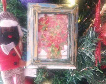ART FLORAL created with pressed flowers encased in a Vintage Frame
