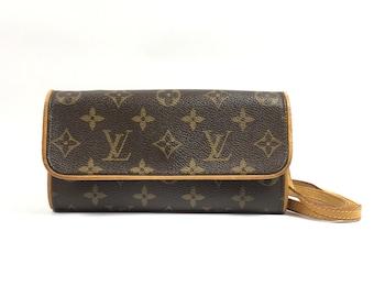 Authentic Louis Vuitton bag. Louis Vuitton Pochette Twin. Louis Vuitton monogram bag. Louis Vuitton shoulder bag.