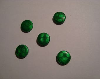 5 round green mother of pearl beads