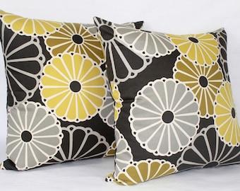 "20 x 20"" Retro Pillow Cover - Designer Fabric - Parasols by Thomas Paul - Modern Designer Accent Pillow - Modern Throw Pillow"