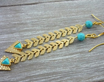 Gold & turquoise chevron chain and arrow earrings.