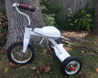 Vintage Tricycle - Shabby Trycle - Photography Prop - Vintage Trike - Rusty - White Trycle - Distressed Tricycle - Shabby Chic