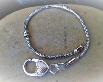 1 bracelet 20 cm with clasp
