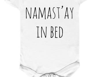 "body bébé 100% coton ""namast'ay in bed"""