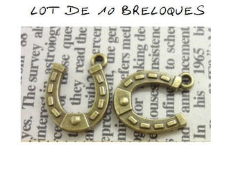 Set of 10 bronze (T39) good luck Horseshoe charms