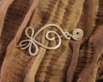 Celtic Design Shawl Pin, Small Sweater Pin, Celtic Pin, Knit Scarf Pin, Silver, Aluminum Wire, SP17