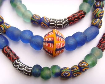 81 various beads of glass from Ghana - mixgb14
