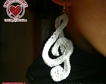 Musical earrings treble clef