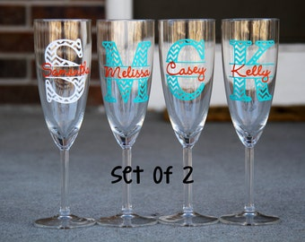 Set of 2 Champagne Flutes - Chevron Monogram with Name - Choose 2 colors - Great for your whole bridal party or your girlfriends!
