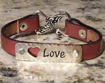 Love Heart Metallic Pink Leather Bracelet