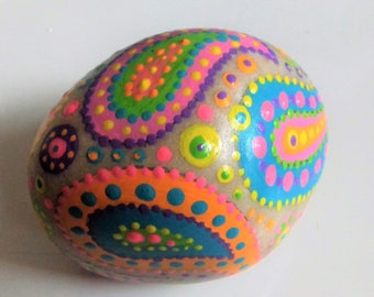 Paisley pebble, hand painted, boho gift, beach pebble, painted rock, OOAK.  paperweight, birthday gift, home decor, boho, hippie gift,