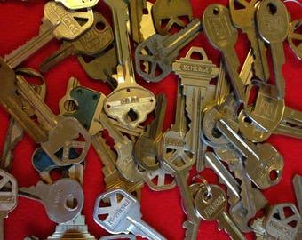 Lot of Vintage Keys/Supplies/Crafts