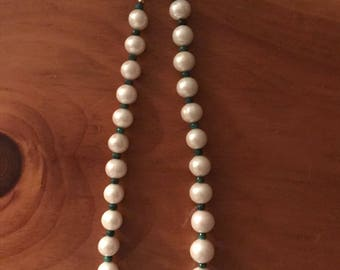 Emerald and Baroque pearl necklace