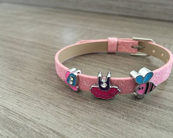 Glittery pink adjustable bracelet with charms