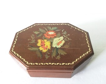 Vintage Wooden Jewelry Music Box
