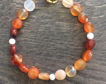 Faceted Carnelian and Mother of Pearl Beaded Bracelet