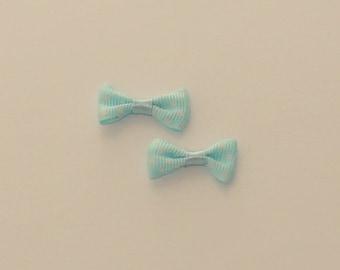 Bow color 5 blue polka dot 30x15mm