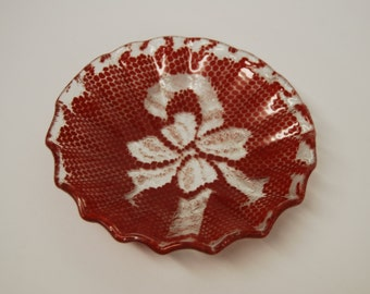 Art Glass dish with a unique Christmas doily design