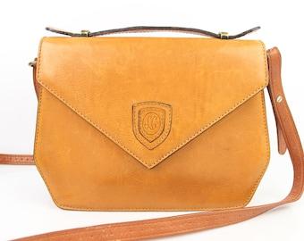 VINTAGE LG Tan Leather shoulder bag / Camel very good condition (2214)