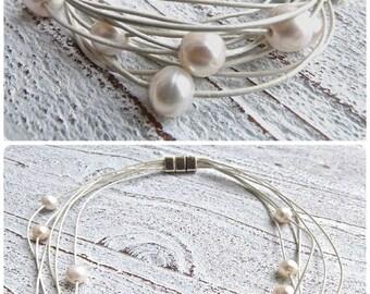 Set Lederarmband Lederkette #83,Süßwasserperlen,Armband Kette Frauen,Leder und Perlen,weiß,Wickelarmband,handgefertigt,Schmuck Hochzeit