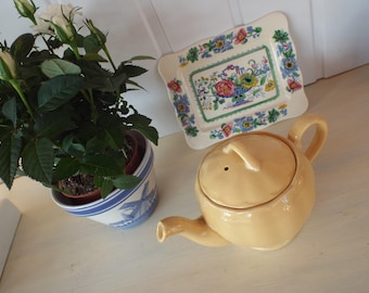 Lovely Small Vintage Yellow Teapot by Grindley England 1936-1954